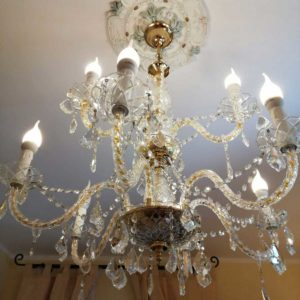 Room-205-particolare-lampadario